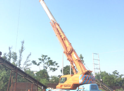cho thuê xe cẩu 25 tấn Kato